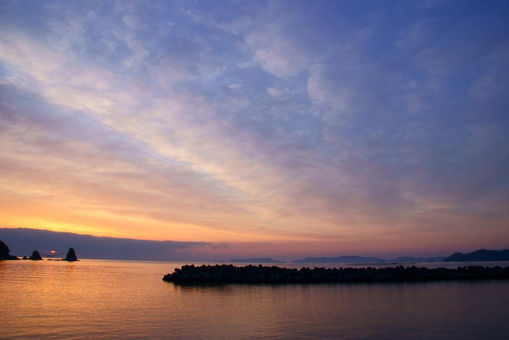 広がる朝陽.jpg
